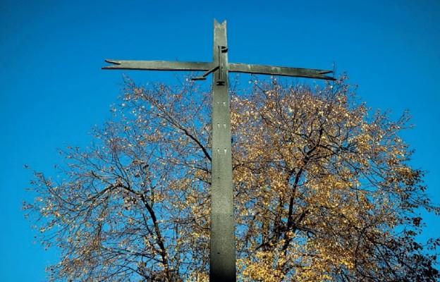 Cmentarze wiary i nadziei