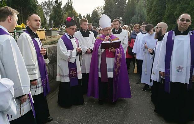 W Zielonej Górze modlitwom za zmarłych przewodniczył bp Stefan Regmunt