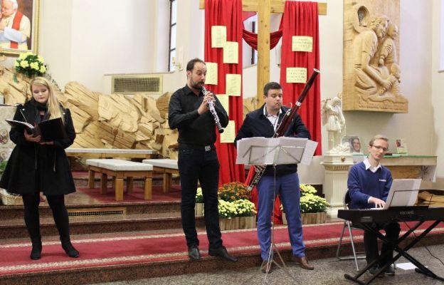 Przed gorzowską publicznością zaprezentowali się: na fagocie Adam Kędzierski, na organach Michał Kocot, sopranistka Magdalena Makowska-Pabich oraz na oboju Daniel Bernardino.