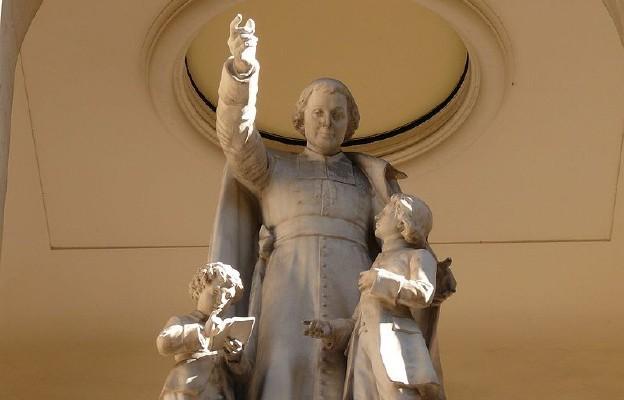 Pomnik Jana Chrzciciela de la Salle w kościele pod tym wezwaniem w Paryżu