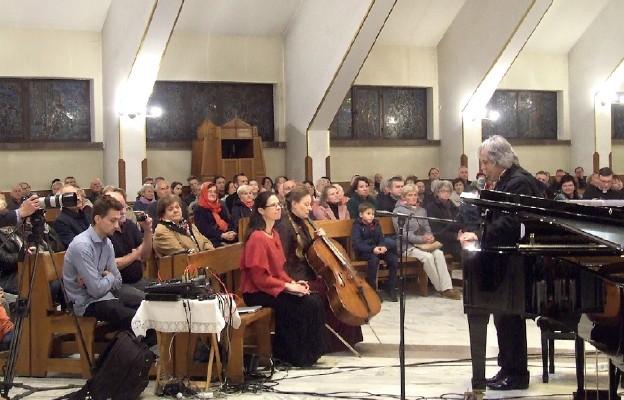 Muzyka i pomnik na jubileusz