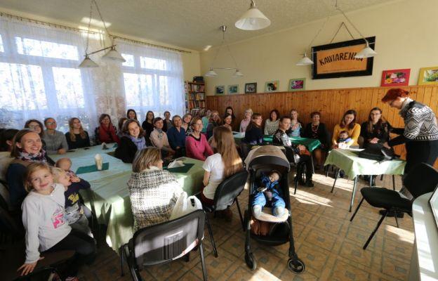 W spotkaniu udział wzięło kilkadziesiąt kobiet
