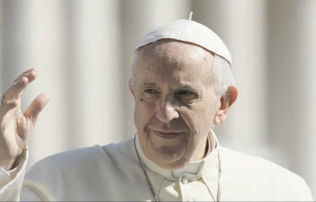 Franciszek na Twitterze zachęca do spojrzenia na rzeczywistość oczyma Boga