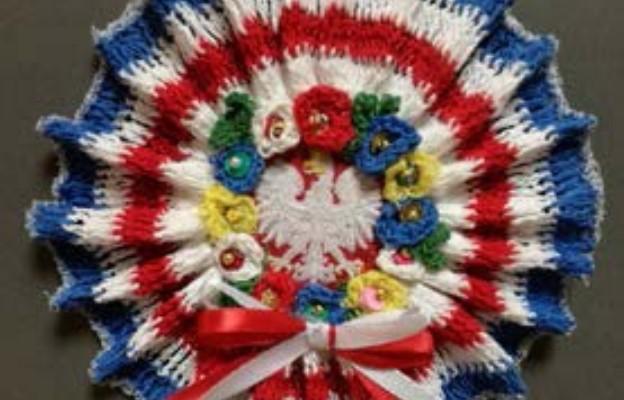 Patriotyczny kotylion