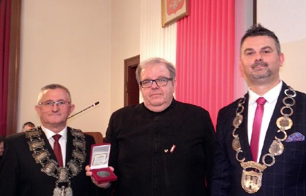 """Uhonorowany Medalem """"Polska Odrodzona"""""""
