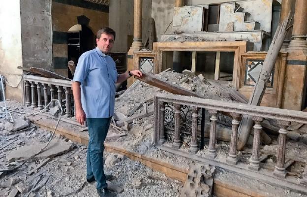 Ks. Mariusz Boguszewski w Aleppo – zniszczony kościół maronicki