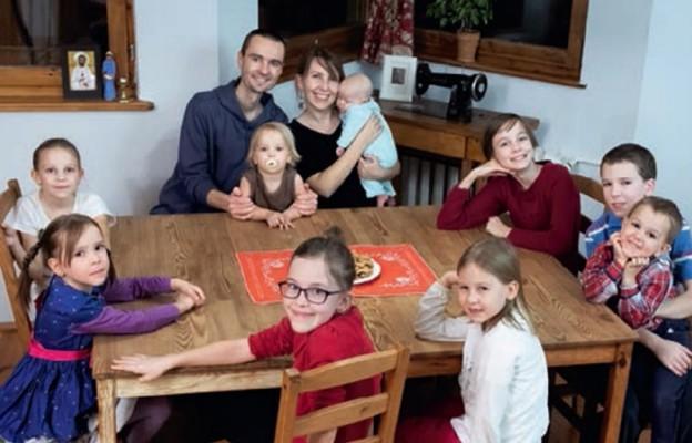 Matka Polka, jej ukochany mąż i dzieci