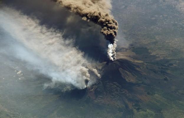 Wybuchł wulkan na wyspie La Palma, trwa ewakuacja ludności