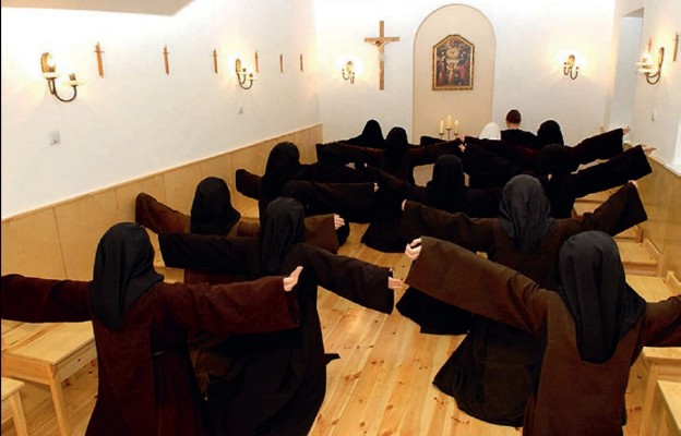 Siostry modlą się o ocalenie dzieci