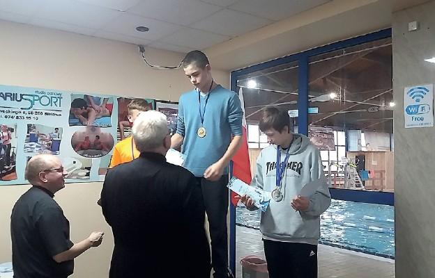 Ministranci pływali w Bielawie