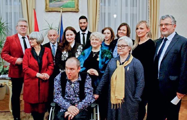 Węgierski Złoty Krzyż Zasługi dla Marii Król