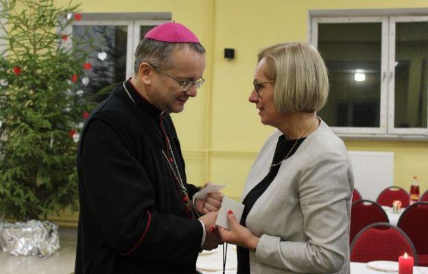 W spotkaniu uczestniczyli bp Tadeusz Lityński oraz Ewa Rawa, lubuska kurator oświaty