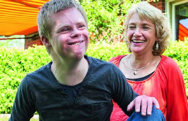 Tim z mamą, która go adoptowała