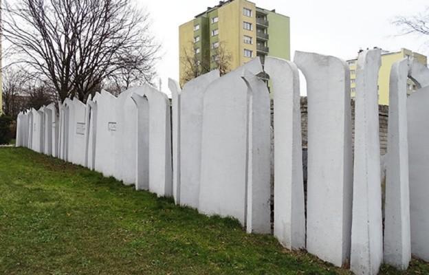 Zniszczyć pokolenie najmłodszych Polaków