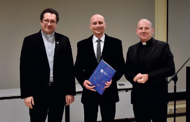 Nagrody dla teologów
