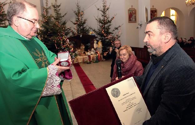 Medal Civitas Christiana dla ks. prał. Krzysztofa Moszumańskiego