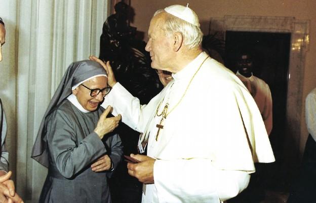 W służbie sześciu papieży