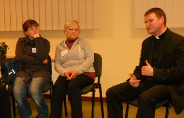 Ks. Andrzej Tarasiuk był gościem warsztatów psychoedukacyjnych dla kobiet, organizowanych przez Urząd Miasta i Gminy w Skawinie oraz Centrum Wspierania Rodziny w Skawinie
