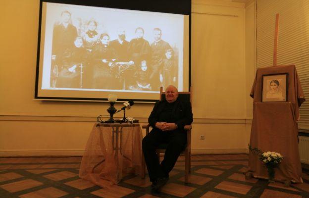 Pierwszym prelegentem był ks. Jerzy Witek, prezes Towarzystwa im. Edyty Stein