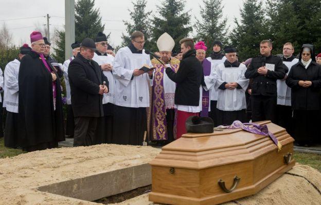 Pogrzeb ks. kan. Stanisława Pawula