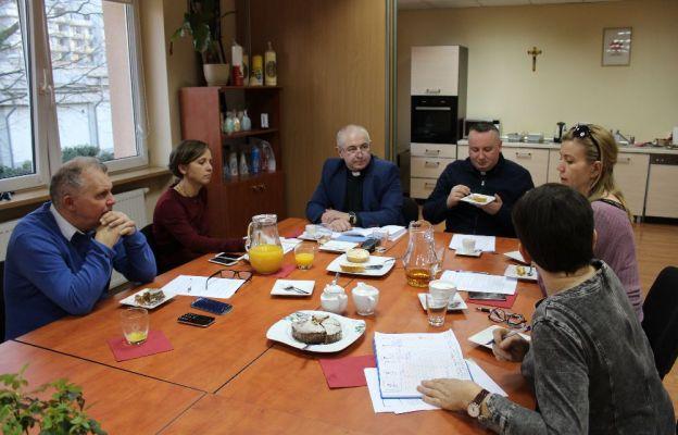 Pierwsze posiedzenie Komisji w siedzibie diecezjalnej Caritas w Zielonej Górze