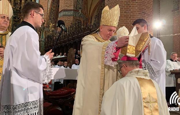 Bp Arkadiusz Okroj przyjął święcenia biskupie w Pelplinie