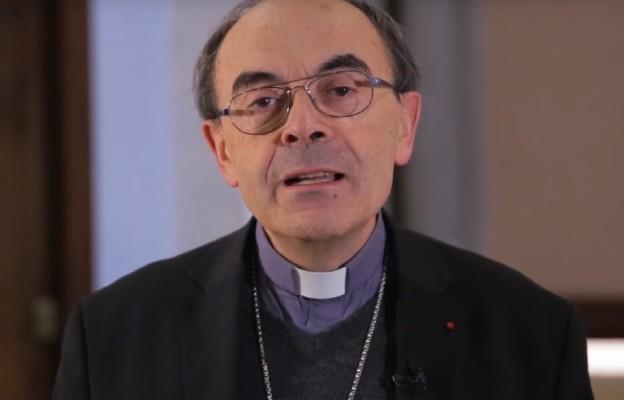 Kard. Barbarin: ból ofiar i diecezji powodem rezygnacji
