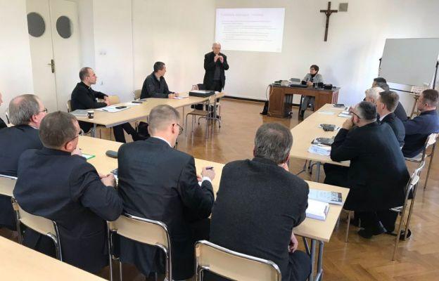 Kraków: system zapobiegania przestępstwom seksualnym musi objąć cały Kościół