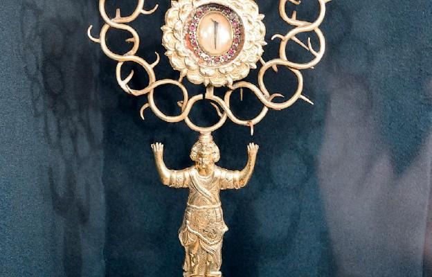 Cierń z korony cierniowej Chrystusa w katedrze