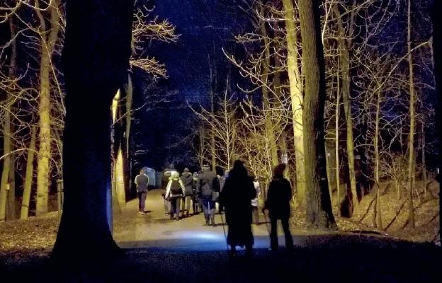 W nocy i ciszy za Jezusem