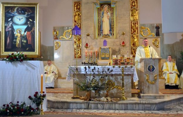 ks. Radosław Gabrysz, który przybliżył postać św. Józefa, który jest naszym przewodnikiem po drogach do Boga Ojca
