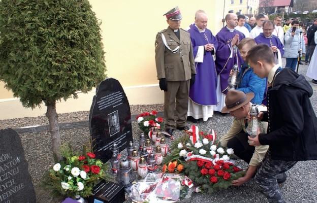 Kudowscy Skauci Króla pamiętają o Żołnierzach Wyklętych