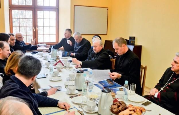 Trwają prace synodalne