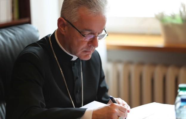 Bp Lechowicz do Polonii: korzystajcie ze źródła nadziei, jakim jest Eucharystia