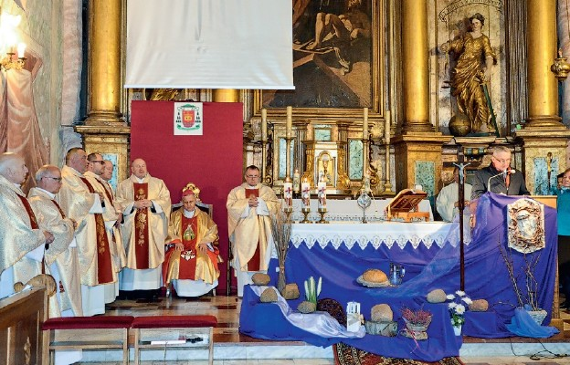 Bp Jan Piotrowski uczcił św. Kingę