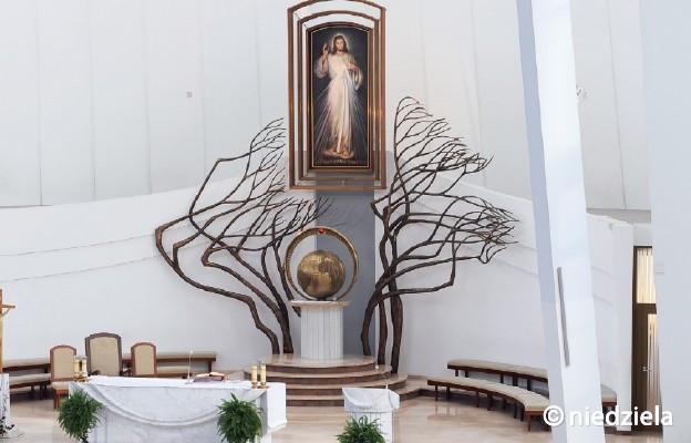 W Niedzielę Miłosierdzia Bożego otwarte są wszystkie możliwe zdroje łask. Warto zrobić krok wiary i przekroczyć bramy miłosierdzia