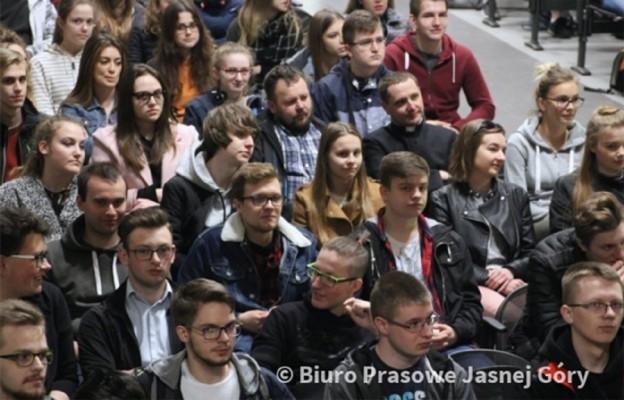 Maturzyści z archidiecezji łódzkiej tuż przed egzaminem