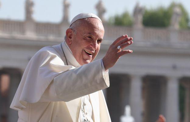 """Franciszek pozdrowił jasnogórskich pielgrzymów i nawiązał do stulecia """"cudu nad Wisłą"""""""