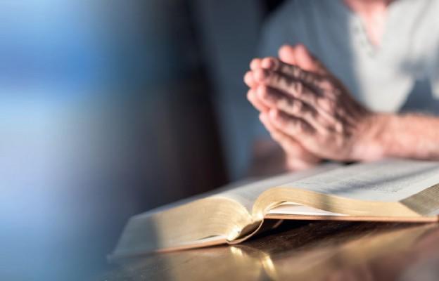 Biblia w dobrych rękach