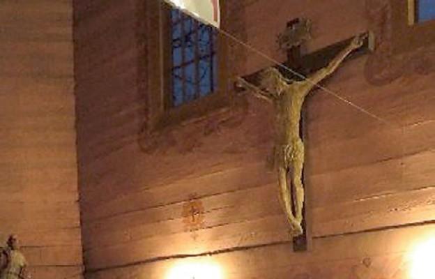 Zabytkowy krucyfiks odrestaurowany