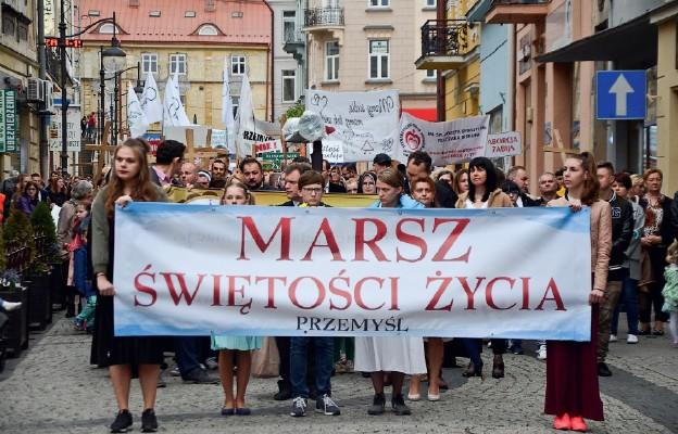 W trosce o radosną Polskę