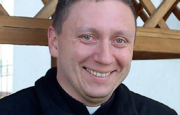 Ks. Łukasz Malec zaprasza na DDM do Rokitna