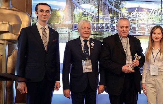 Nagroda dla Biskupa Legnickiego