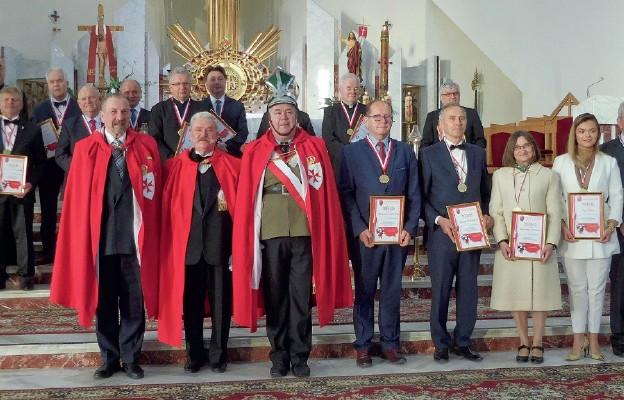 Odznaczeni medalem św. Stanisława, czyli osoby wyróżniające się m.in. patriotyzmem i niesieniem pomocy potrzebującym
