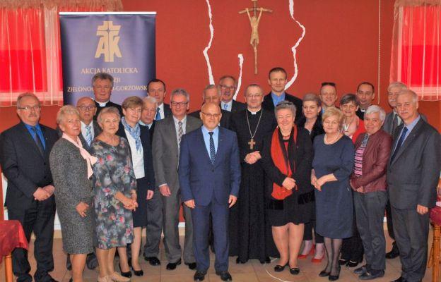 Uczestnicy spotkania z bp. Tadeuszem Lityńskim