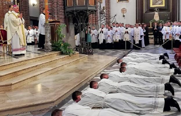Kapłani potrzebni do zbawienia
