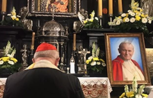 Zapalmy świece w oknach i zjednoczmy się na modlitwie w 15. rocznicę przejścia Jana Pawła II do domu Ojca