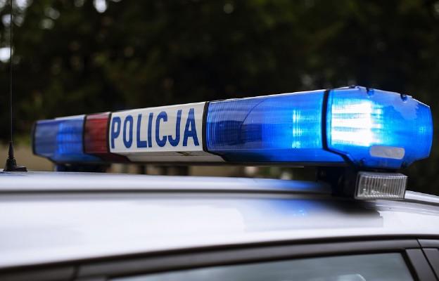 Policja poszukuje sprawcy podpalenia punktu szczepień w Zamościu