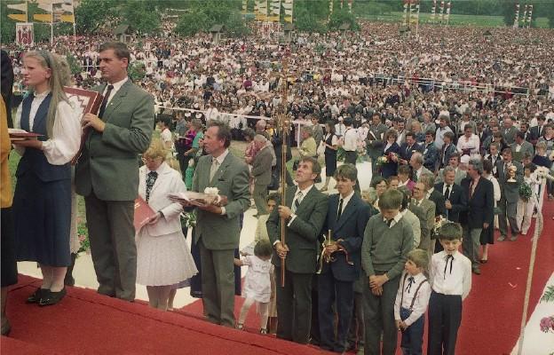 Koronacja z 1989 r. zgromadziła ponad 100 tys. pielgrzymów