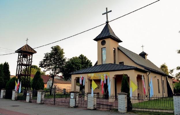 Kościół parafialny w Gromadzie